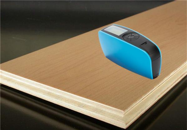 光泽度仪测量实木复合地板